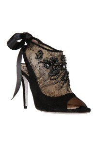 Ankle boot with Venetian embroidery and silk ribbon